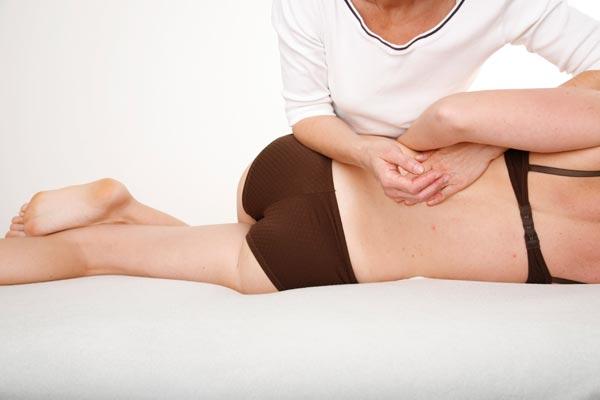 Osteopathie – Technik für den unteren Rücken